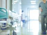 L'hôpital Tenon à Paris est particulièrement touché par le coronavirus.