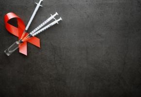 En 2018, 37,9 millions de personnes vivaient avec le VIH dans le monde