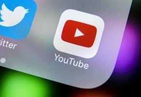 """es blouses blanches des hôpitaux de Paris dispensent des conseils sur YouTube dans l'émission """"PuMS"""""""
