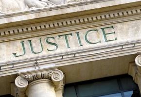 Un tribunal égyptien a libéré jeudi 6 février un gynécologue détenu pour avoir pratiqué une excision sur une fillette de 12 ans